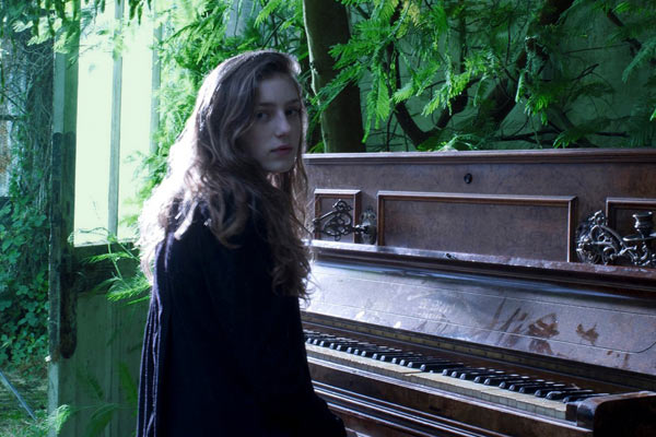 Birdy Biography, Discography, Music News on 100 XR - The